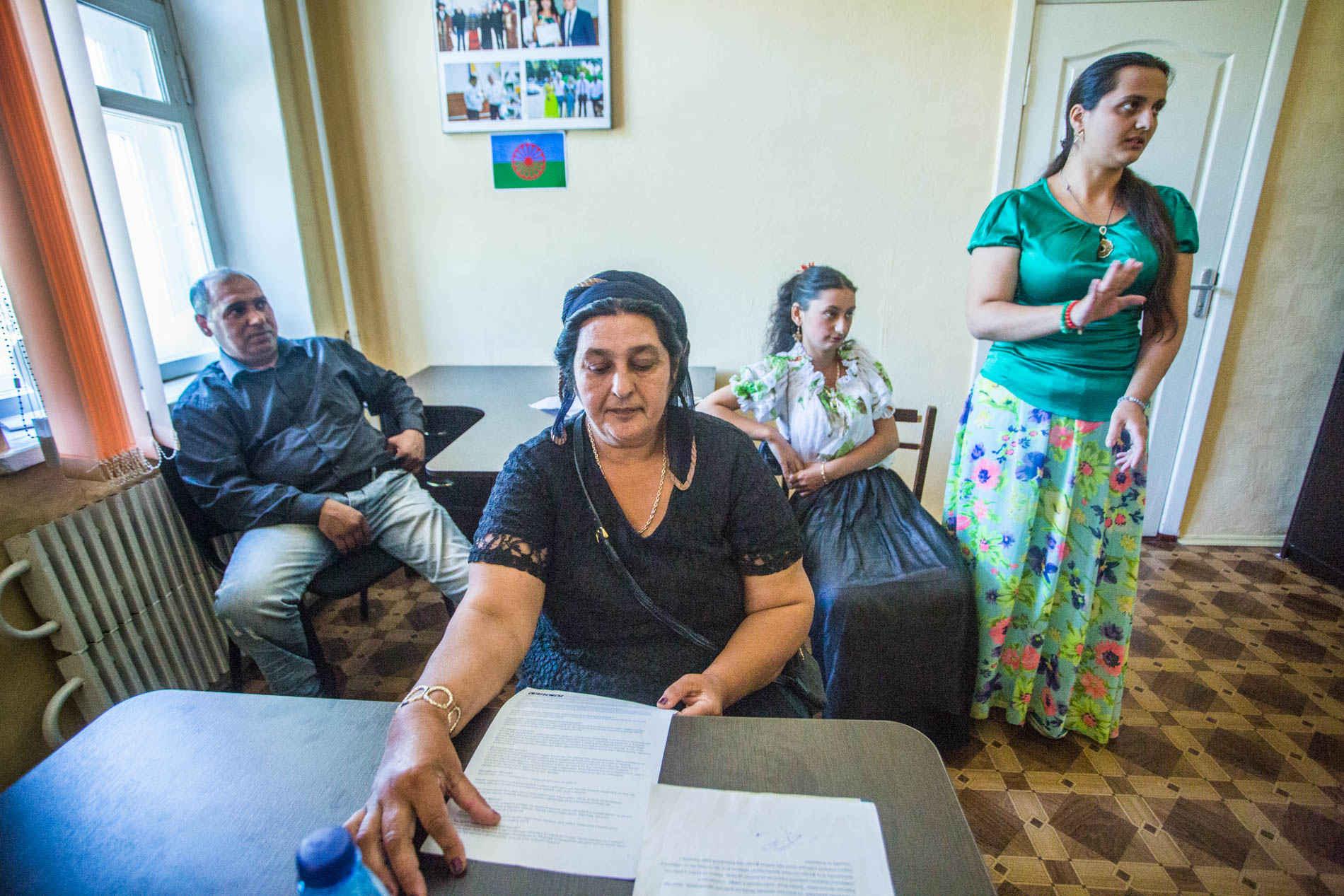 Frauen heiraten roma Roma Frauen