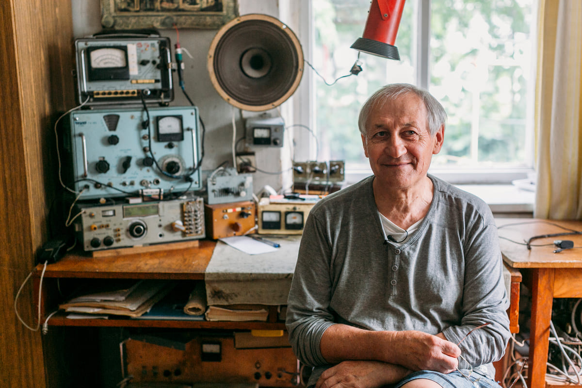 The unifying radio