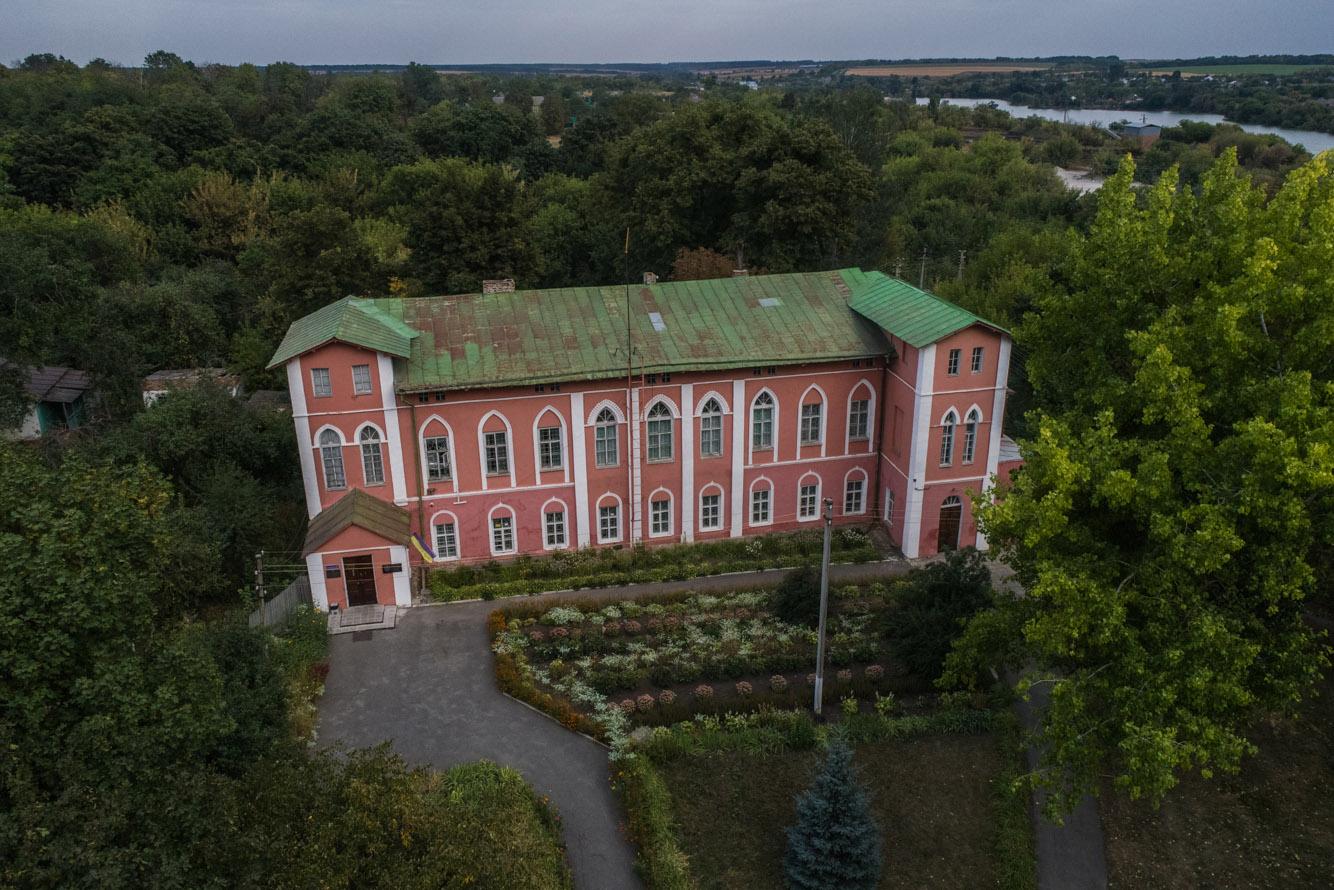 Куди поїхати на вихідні? 100 місць в Україні