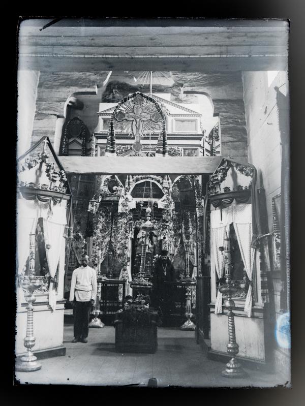 Внутрішнє убранство сільської церкви 1933 рік