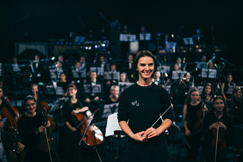 Düsseldorf. Eine Frau — ein Orchester